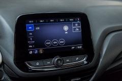 Chevrolet-Onix-LTZ-2021-interior-pantalla-multimedia-baja