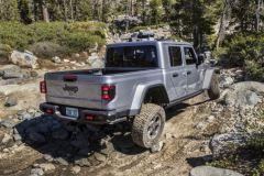 Jeep-Gladiator-lanz21-tras