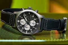 IWC-Pilots-Watch-Chronograph-Edition-AMG-7-Horas-y-Minutos