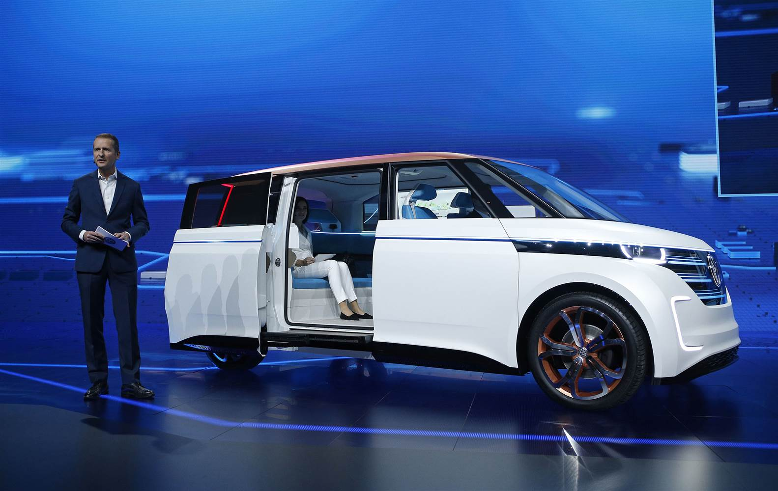 Volkswagen-Budd-e-Concept-1