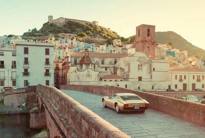 26574_lamborghini-with-italy-for-italy_1_1-1